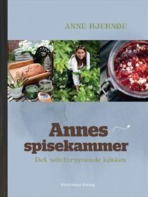 Anne Hjernøe, der er autodidakt kok og kendt fra tv, har begået en 150 sider lang kogebog, der tager udgangspunkt i det selvforsynende køkken.