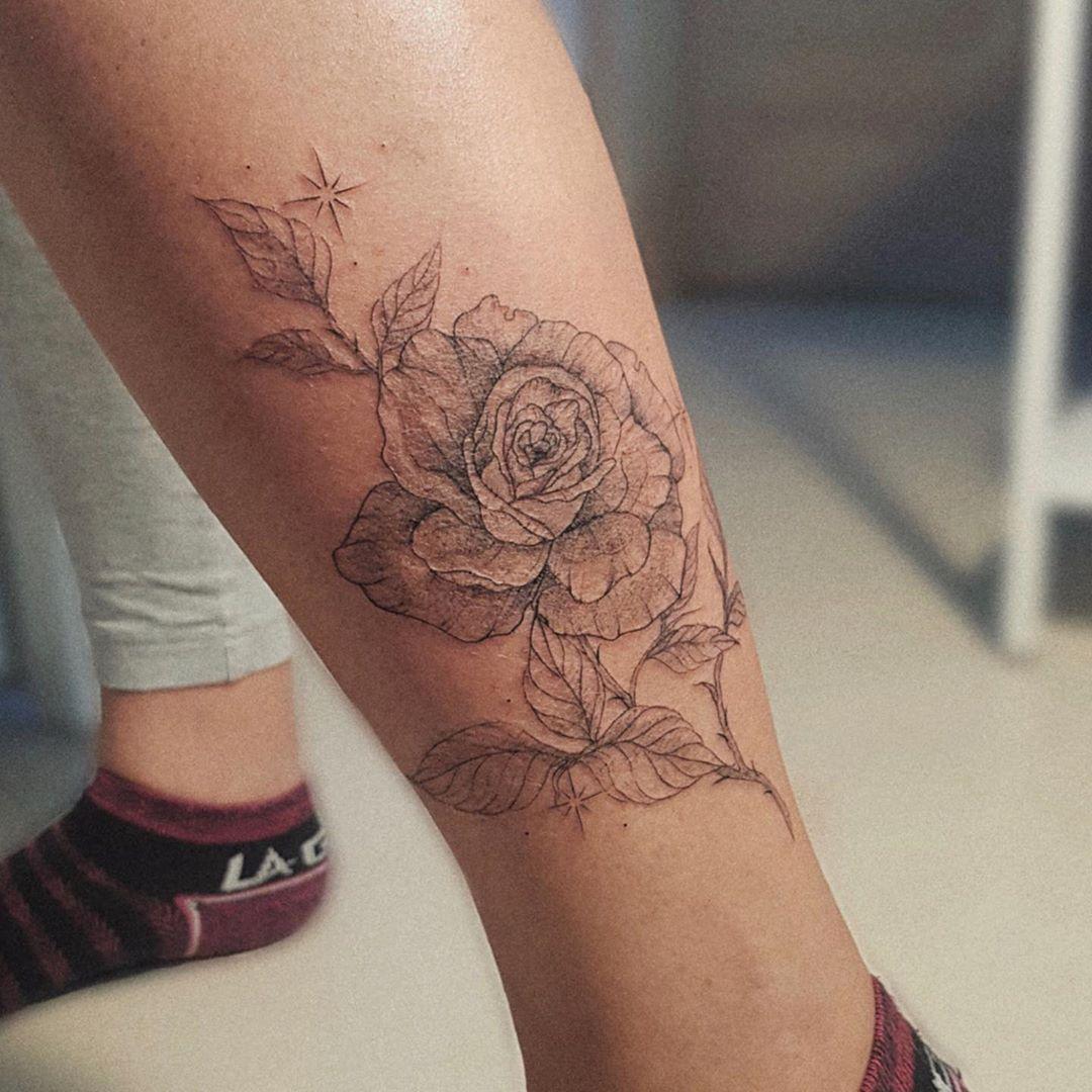 ݊ꓸ∘ ꒰🌸꒱ ∘ꓸ݊ ⠀ . ⠀ . ⠀ . ⠀ #tattoo #tattoos #tattooed #tattoosketch #tattooartist #tattoostyle #flowers #rosetattoo #тату #татуировки #cute #tatts #sparkles #rose #роза #blackworkers #растения #ink #blackworktattoo #cute #linework #conste #sketch #art #inked #tattooriga #love