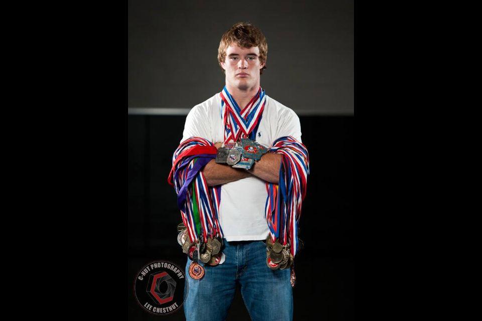 C Nut Photography Com Wrestling Senior Pictures Senior Pictures Boys Sports Photography