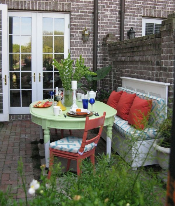 die terrasse neu gestalten erfrischen sie den au enbereich terrassen und garten pinterest. Black Bedroom Furniture Sets. Home Design Ideas
