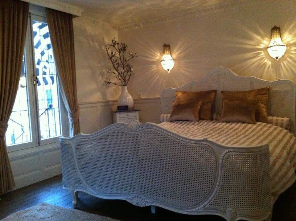 Slaapkamer gordijnen met sprei en kussens klassiek home decor