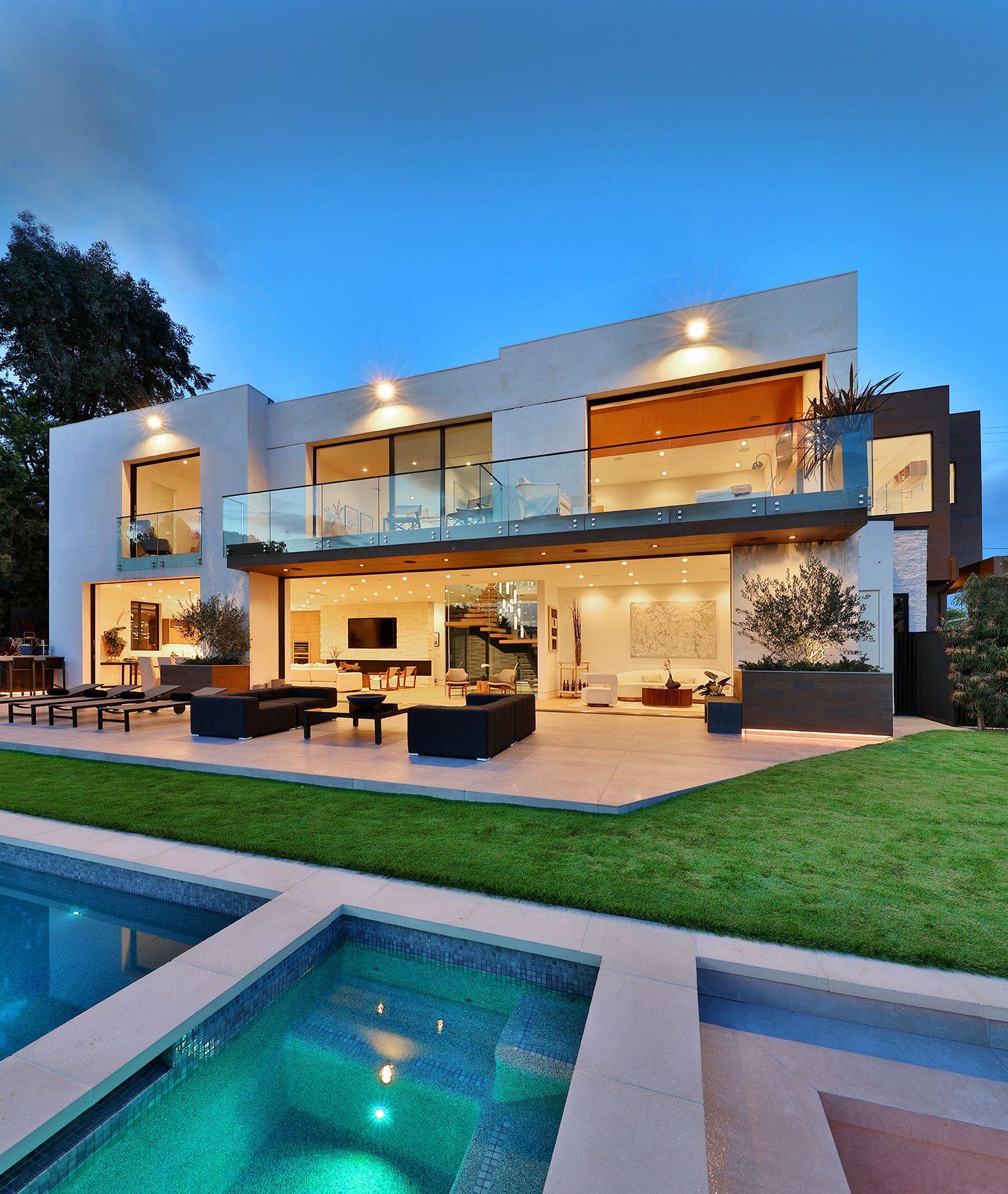 Small Modern Home Exteriors: Modern Luxury Home Exterior