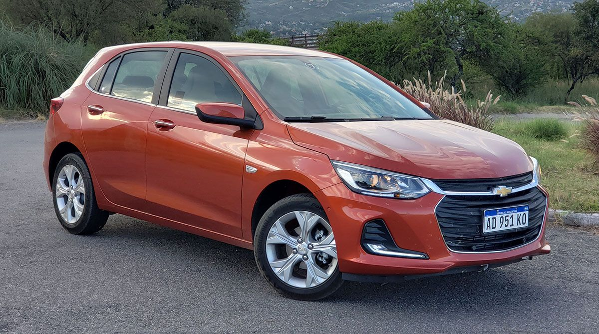 En El Garage De Autoblog Chevrolet Onix Premier 1 0 Turbo En 2020