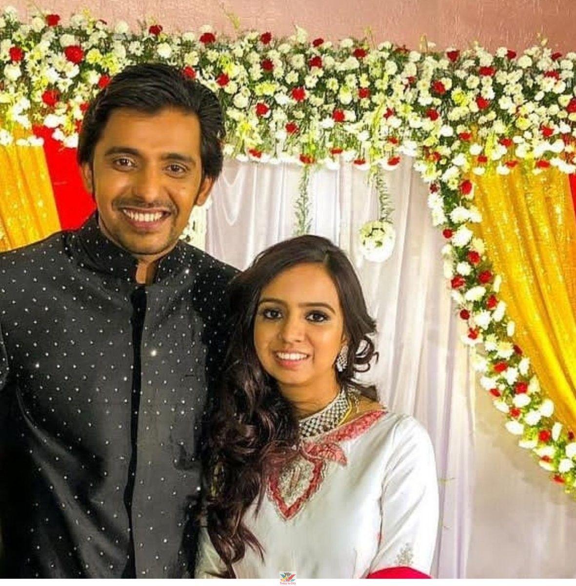 Pellichoopulu Fame Priyadarshi Marriage Reception Photos Telugu