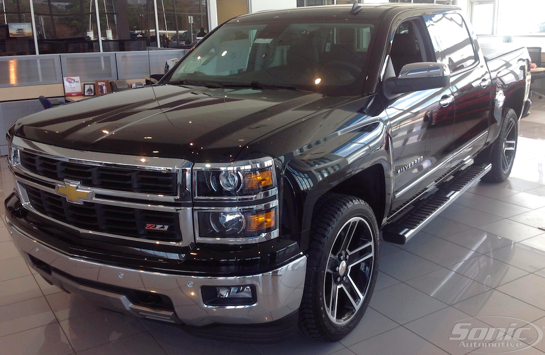 This 2014 Silverado Comes With Special Features Like 22 Inch Gm