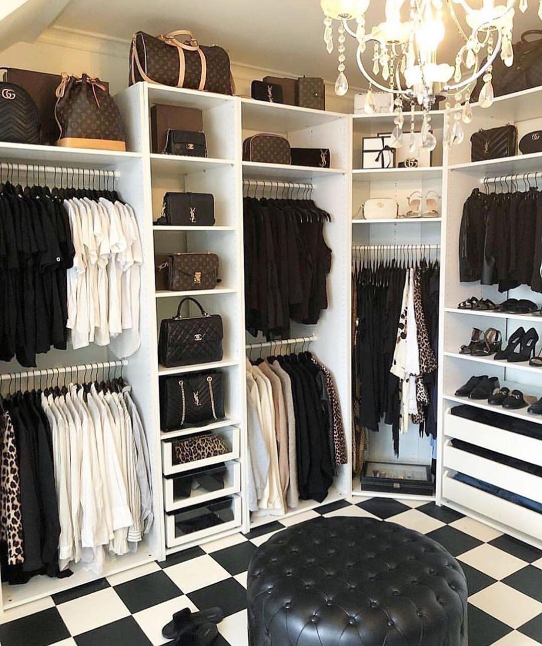 "Gossip Room on Instagram: ""Un dressing de rêve vous ne trouvez pas ? � �: @toneostensen #closet #dressing #goals #heaven #decoration #interiordesign #classy #need…"""