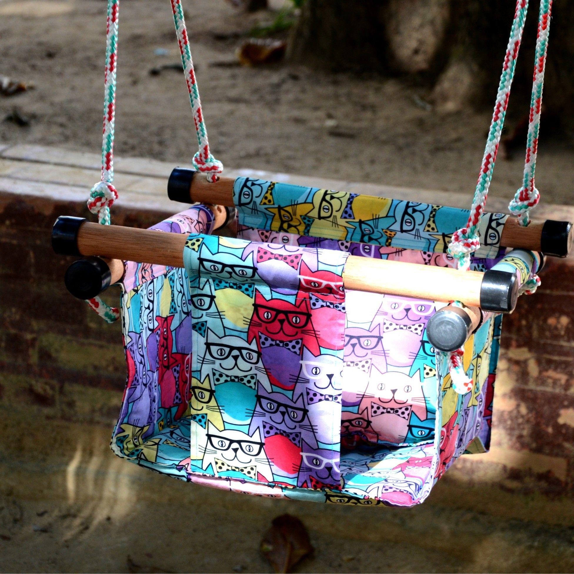 1659d2bc3 Os balancinhos para bebês podem ser usados dentro de casa fixados no teto  ou na parede