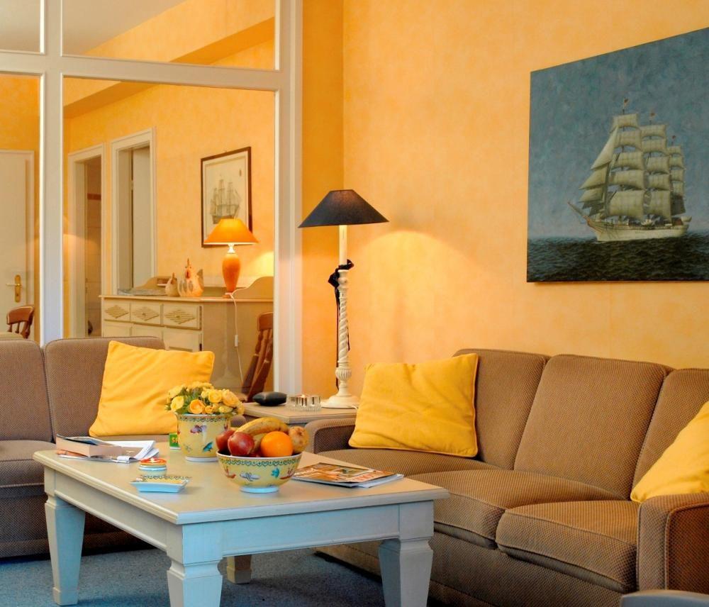 wohnzimmer grau orange   Wohnzimmer grau, Wände streichen ideen und ...