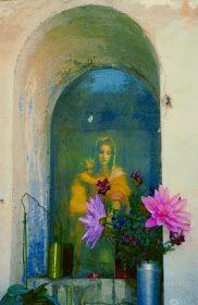 Si Jolie. Shrine to Virgin Mary.