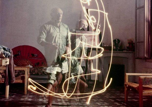 Picasso Dibuja Con Luz La Historia Del Retrato Aavi Blog Retratos Picasso Painting