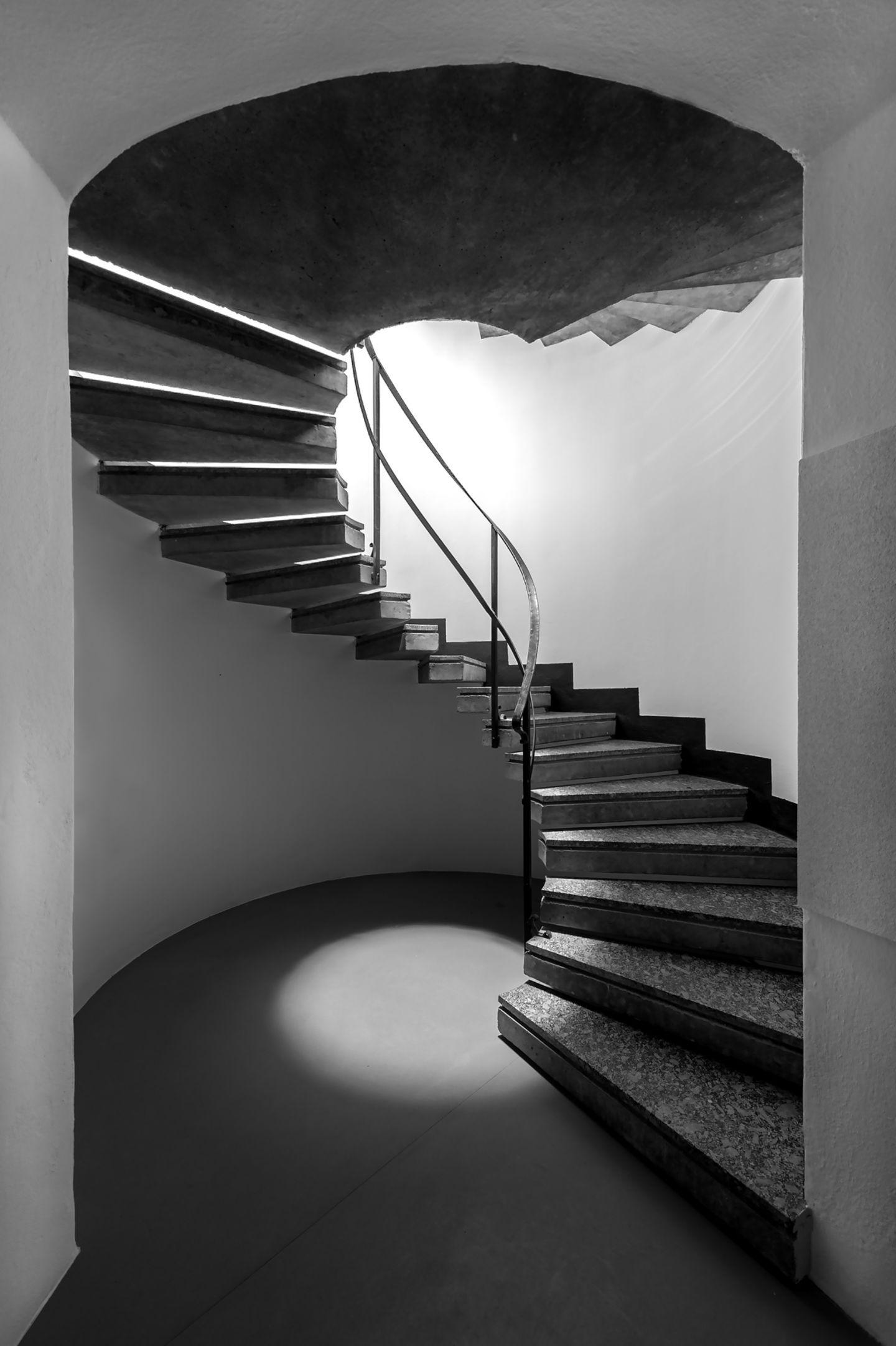 Pin Su Stairs