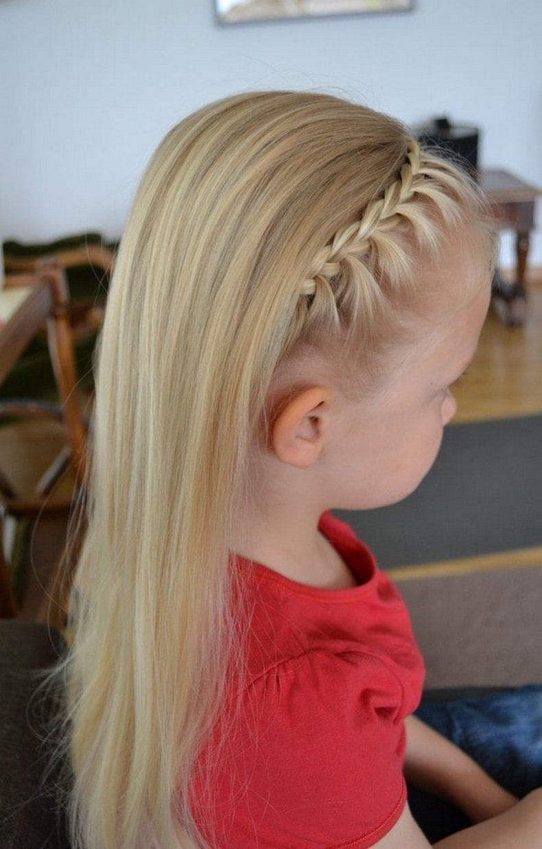 A Lovely Stylish Side Braid Hairstyle For Little White Girls Is Shown Below In The Image It Is Wonderfully D Little Girl Braids Hair Styles White Girl Braids
