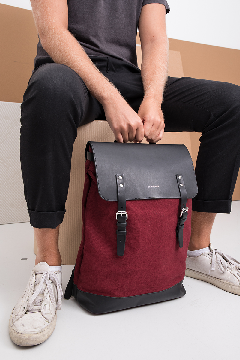 05a669866 Our bestselling backpack Hege is now available in burgundy. Made in organic  cotton canvas and high quality leather, it's the perfect everyday bag.