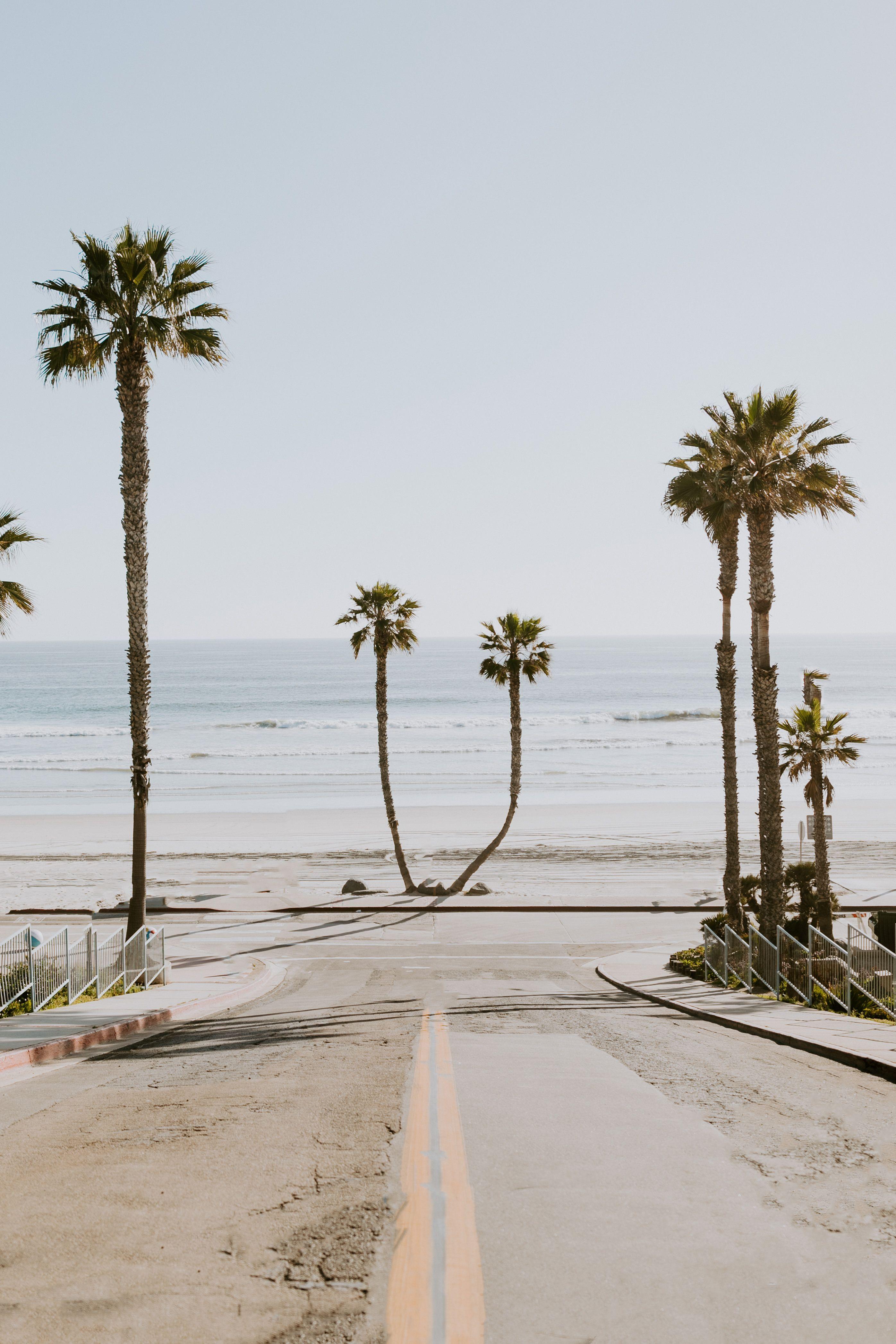 Beach Town In 2020 Southern California Beaches Laguna Beach California California Vibe