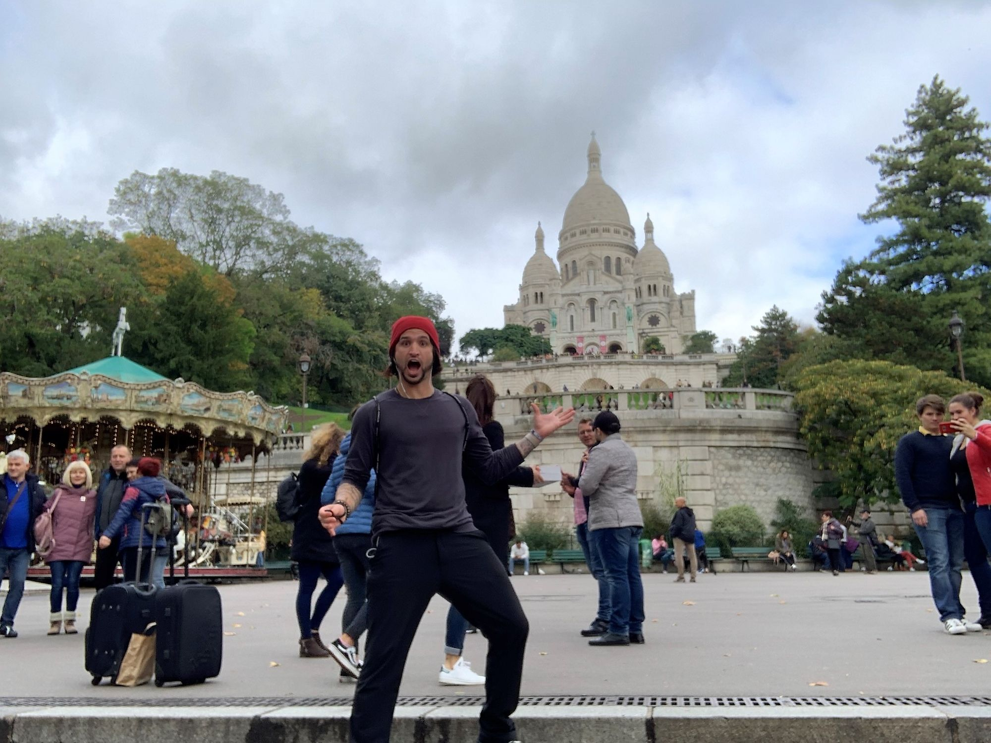 Sacre-Coeur!! You should hear me try to pronounce this lol. Crème brûlée which was DELICIOUS 😎  I know Paris is on a lot of people's top 5 cities to see but is at the bottom of anyone's list?  🤣 why?  #biggersworld #travelgram #photooftheday #travelinggram #blogger #travelblogger #travelquotes  #hostelworld #gapyear #roadto100countires #budgettraveler #budgettravel #budgetlife #tiredofworking