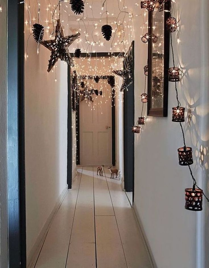 35 Beautiful DIY Fairy Light for Minimalist Bedroom Decoration #christmasdeko