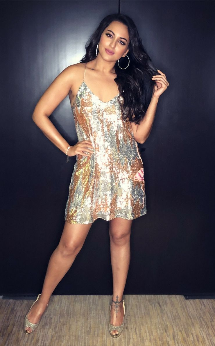 Sexy Sonakshi Shina  Recent Collection In May In 2019 -7445