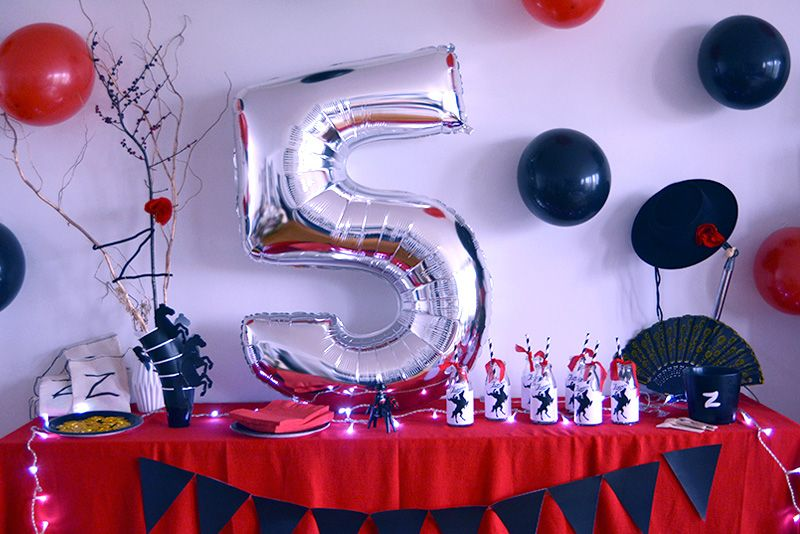 les 5 ans de zorro anniversaire zorro pinterest anniversaires animation anniversaire et. Black Bedroom Furniture Sets. Home Design Ideas