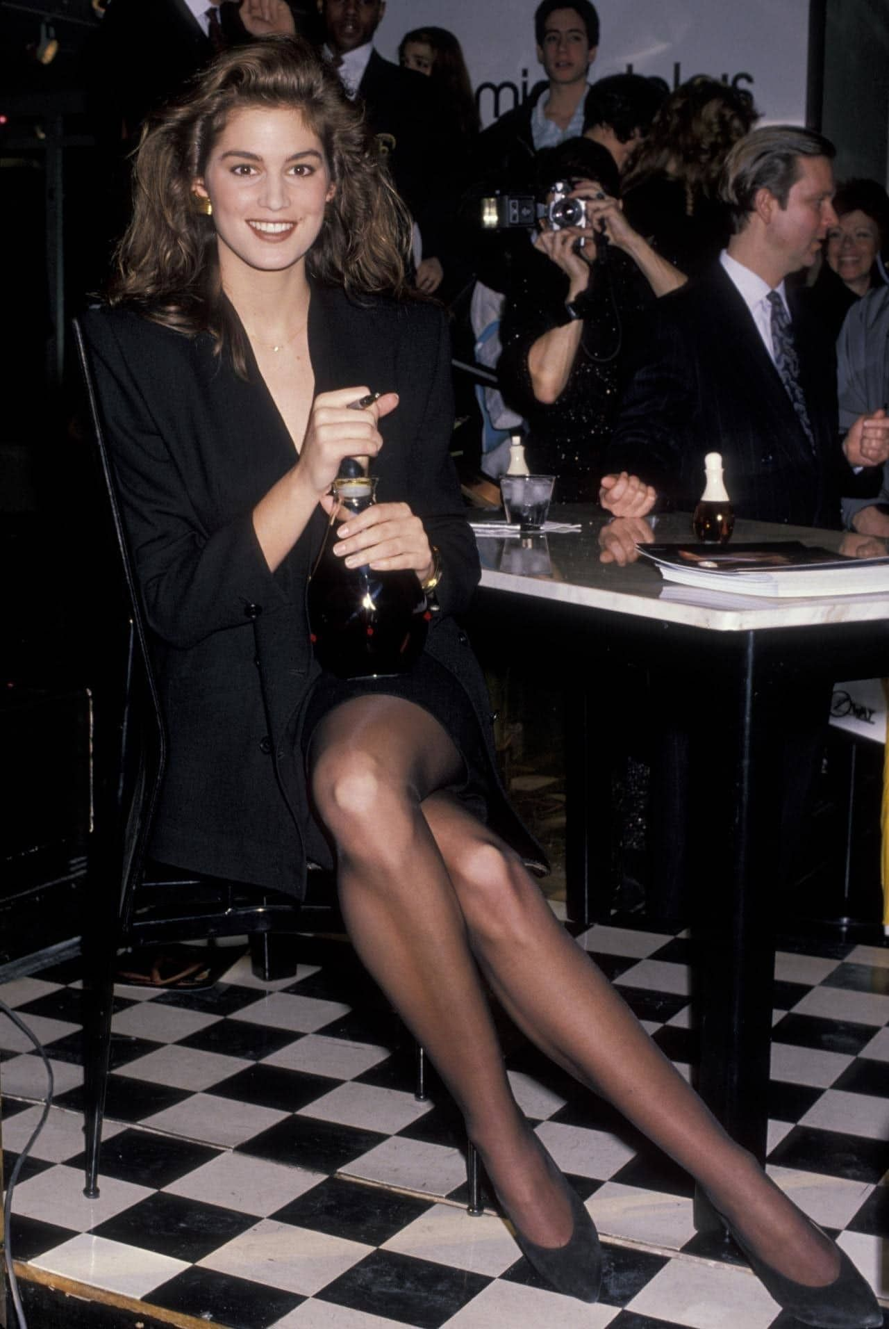 Cindy Crawfords legs - Sexy Celebrity Legs Images - Leggy