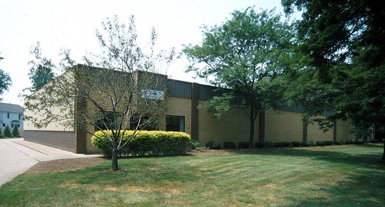LoopNet - 950 ERIE ROAD, Flex Space, 950 Erie Road, Eastlake, OH