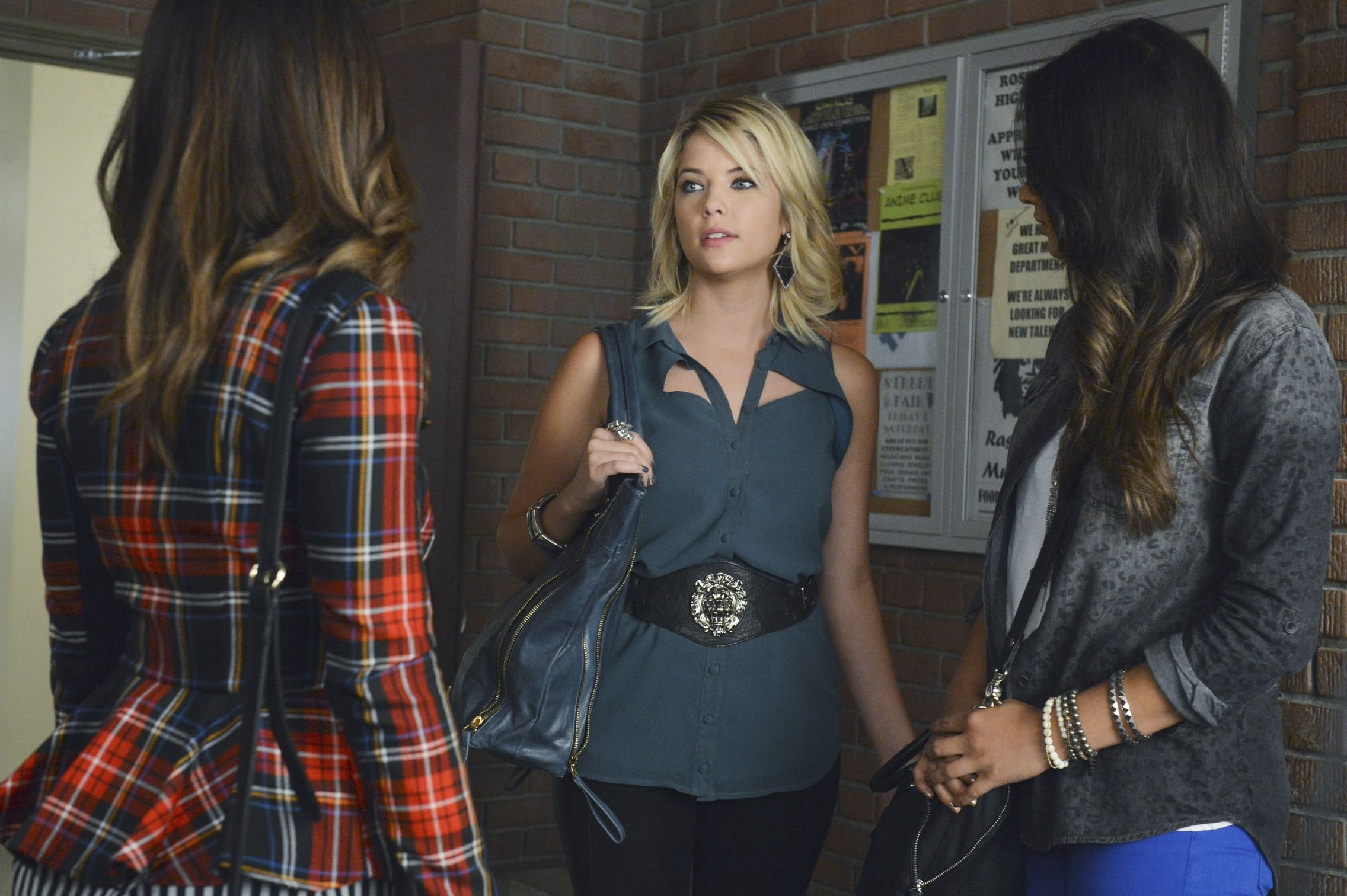 """Pretty Little Liars """"What Becomes of the Broken-Hearted"""" S3EP19"""