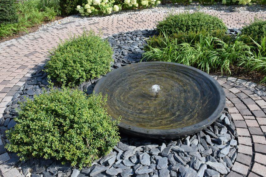Teiche Brunnen Und Wasserspiele Assing Garten Landschaftsbau Gronau Brunnen Garten Springbrunnen Garten Natursteine Garten