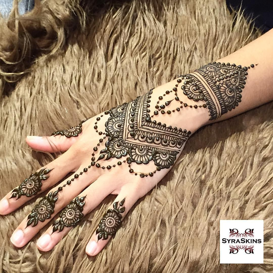 Pretty Henna Hand Tattoo: See This Instagram Photo By @syraskins • 903 Likes