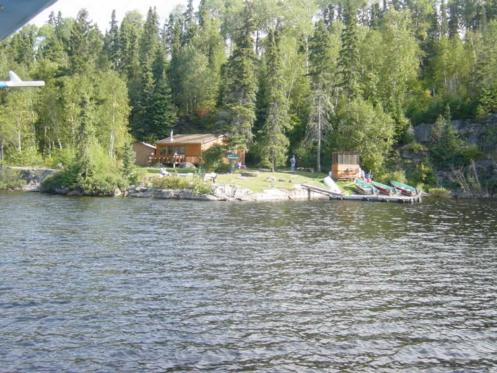 Sumach lake outpost cabin north of ear falls and red lake for Falls lake fishing