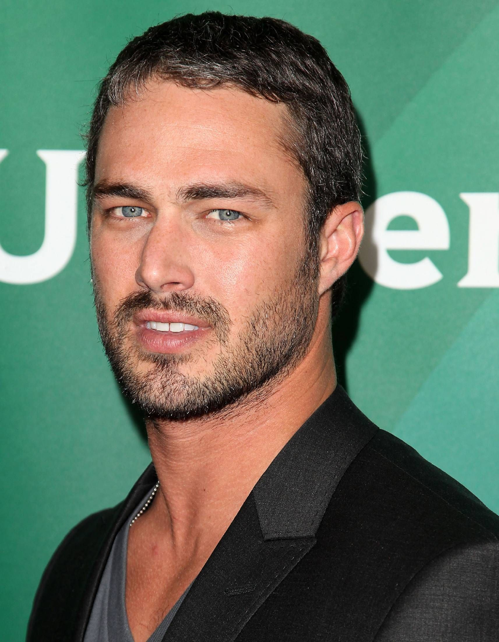 Taylor Kinney 2018: Haircut, Beard, Eyes, Weight ...