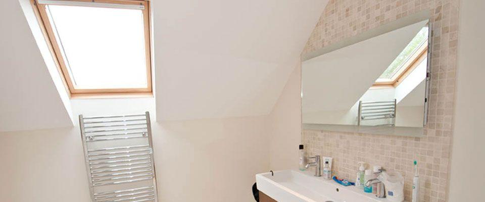Loft Conversion En Suite Bathroom Badezimmer Dachausstieg Rollladen