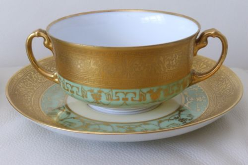 ANTIQUE-H-amp-C-SELB-BAVARIA-HEINRICH-amp-CO-GOLD-GILDED-DOUBLE-HANDLED-CUPS-amp-SAUCERS