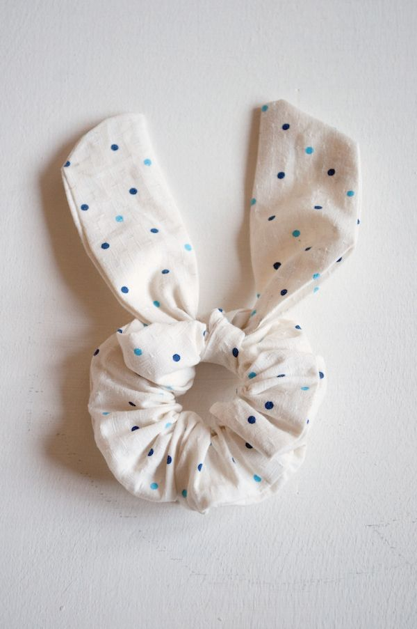 Oh the lovely things: Easter DIY: No Sew Bunny Ear Scrunchie.