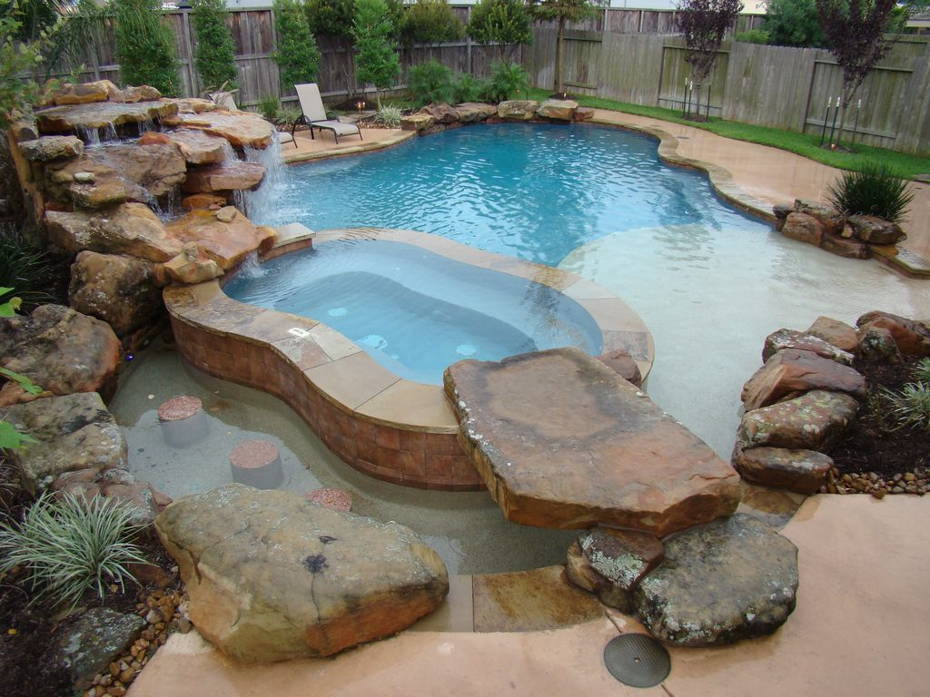 Rustic Swimming Pool With Water Feature Pool With Hot Tub Natural Rock Pool Accent Swimming Pools Swimming Pools Backyard Pool Houses