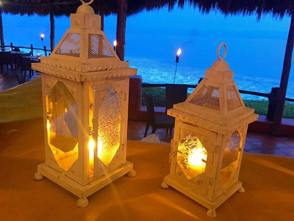 Candles make a different environment at Peppers Restaurant / Las velas crean un ambiente diferente en el Restaurant Peppers