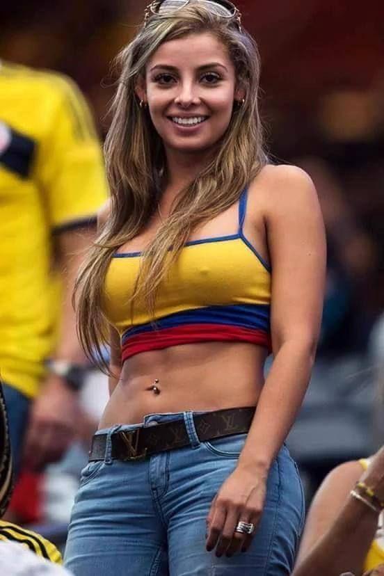 sexy girl abs soccer