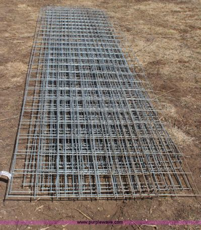 12) hog wire panels | no-reserve