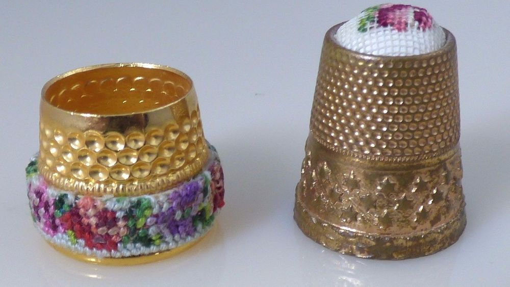Vintage Set of 2 Petit Petite Flower Thimbles Gold Brass? Sewing Collectibles