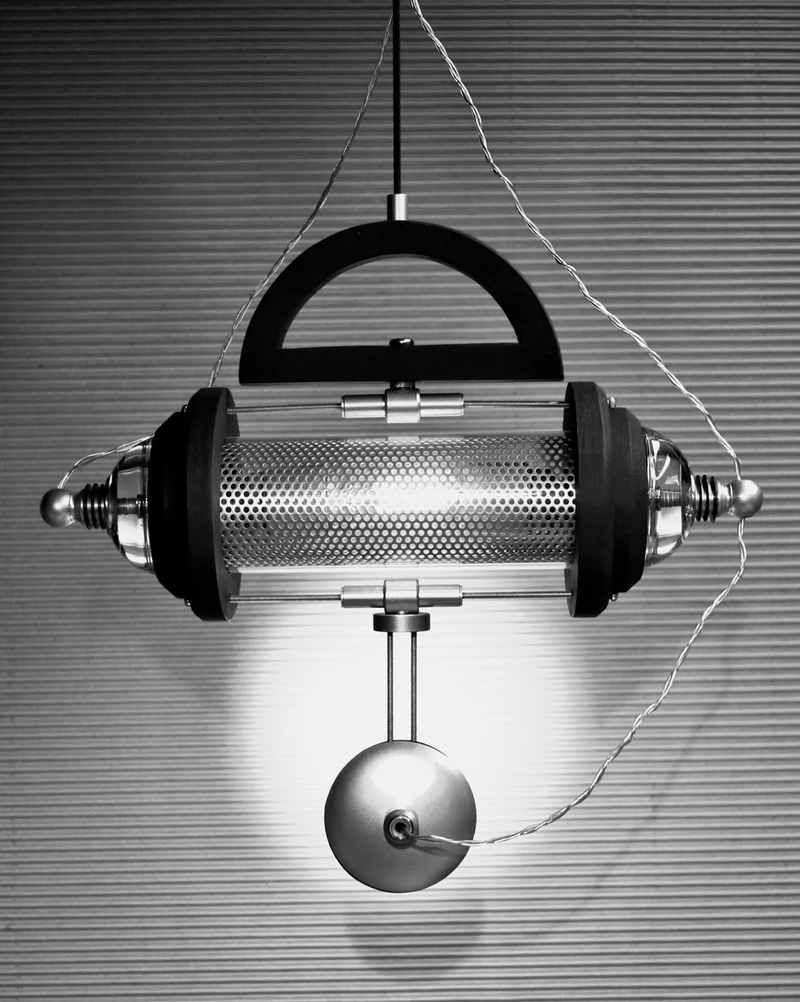 Unique-Lamp-in-Mechanic-and-Steampunk-Design.jpg (JPEG Image, 800×1002 pixels) - Scaled (67%)