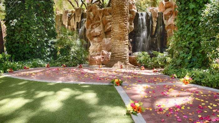 Flamingo Paradise Falls Flamingo Hotel Las Vegas Las Vegas Wedding Venue Vegas Wedding Venue