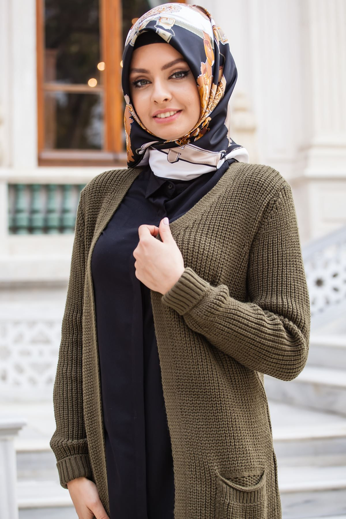 Sedanur Tesettur Orgu Desen Hirka Modelleri Moda Tesettur Giyim Moda Stilleri Moda Hirkalar