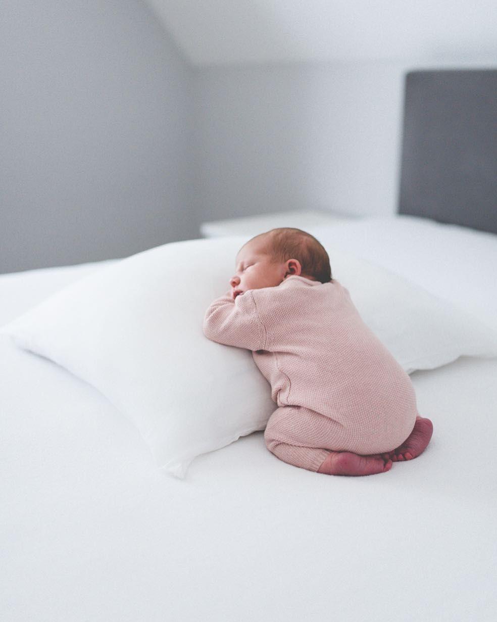 Childcare Fotoshooting Baby Baby Madchen Bilder Foto Baby