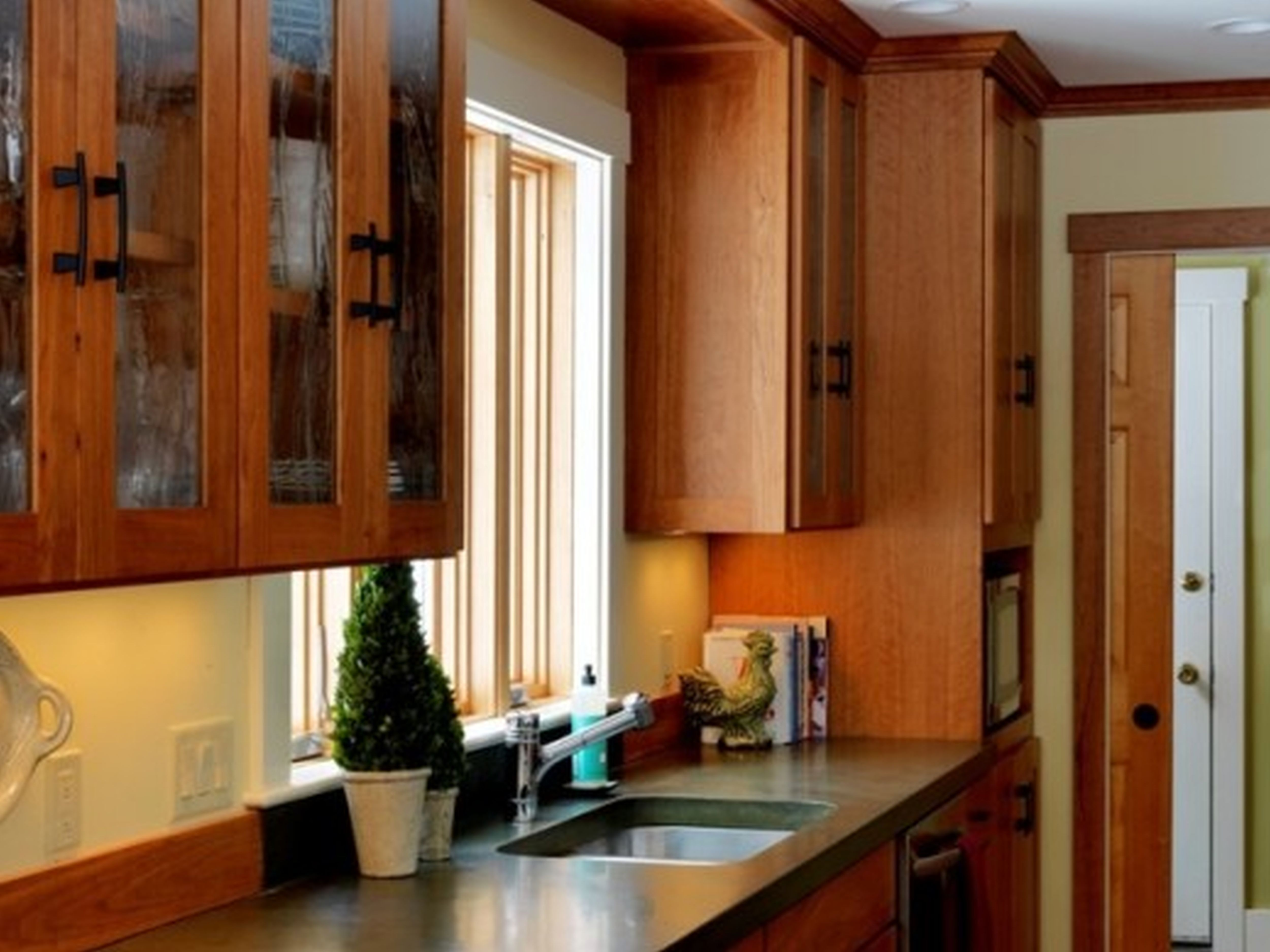 Astounding Dark Kitchen Cabinets Decor Fetching Modular Kitchen