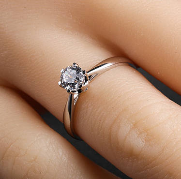 Pin By Noah Thrope On Aneis In 2020 Diamond Alternative Engagement Ring Classic Engagement Rings Vintage Engagement Rings
