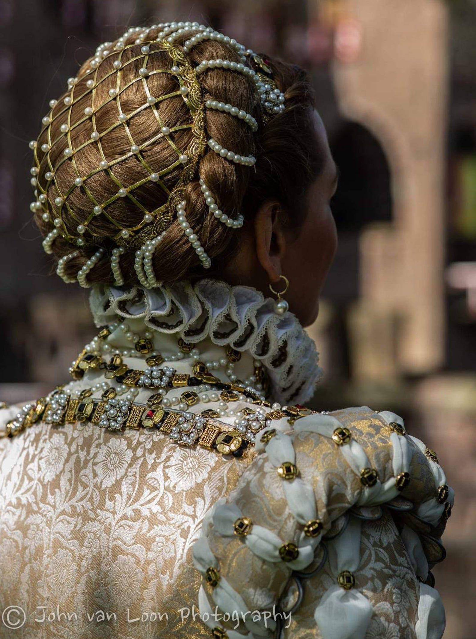 Photo of Elizabeth of Austria – medieval pearl decorated chignon