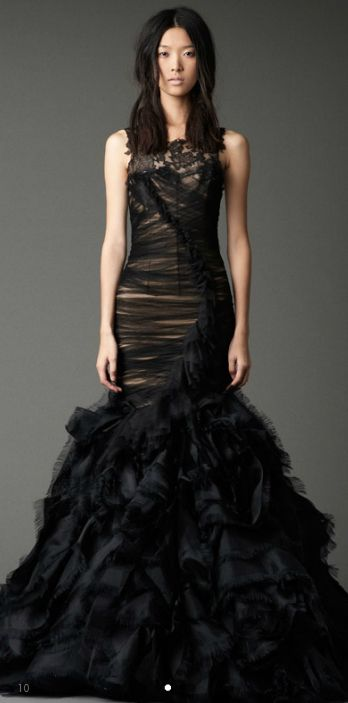 If I was going to have two wedding gowns, I would seriously consider this Vera Wang. Fantastic!