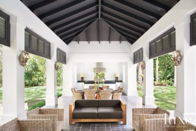A Miami Estate S Poolside Cabana Shelters An Outdoor Kitchen See More At Www Luxesource Com Modern Farmhouse Exterior Modern Farmhouse Style Pool Houses