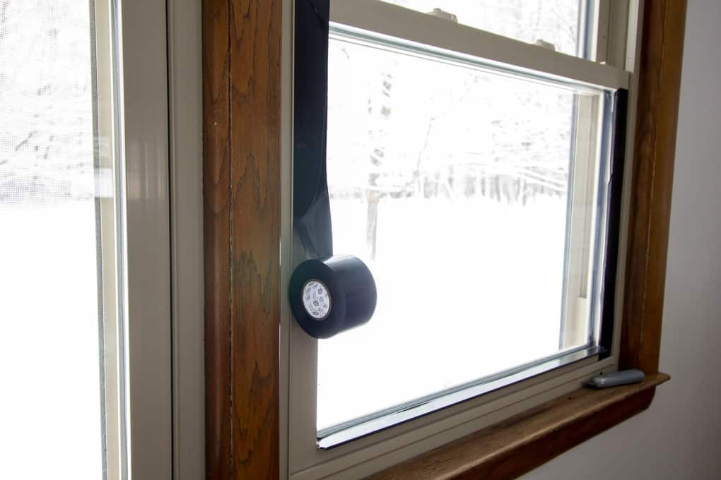 Diy Black Windows Without Painting Or Replacing Vinyl Window Frame Black Window Trims Black Vinyl Windows