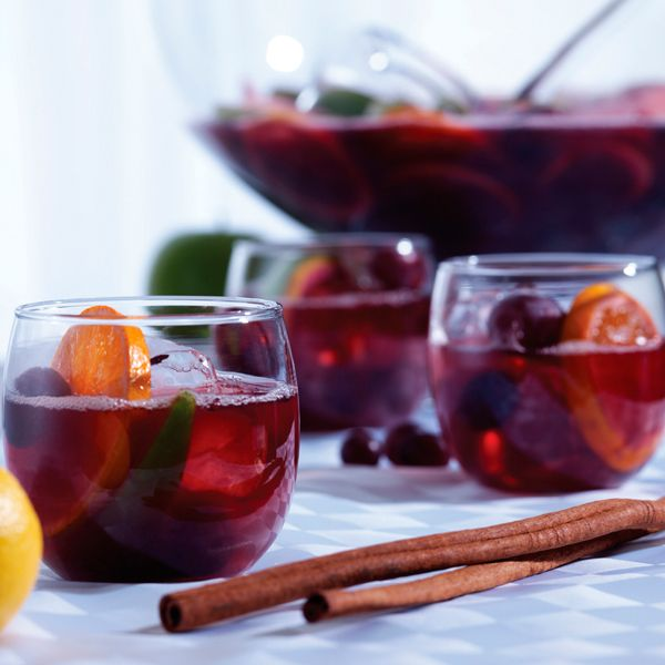 The Best Classic Sangria Recipe of All Time | Recipe | Red wine cocktails, Wine cocktails, Sangria recipes