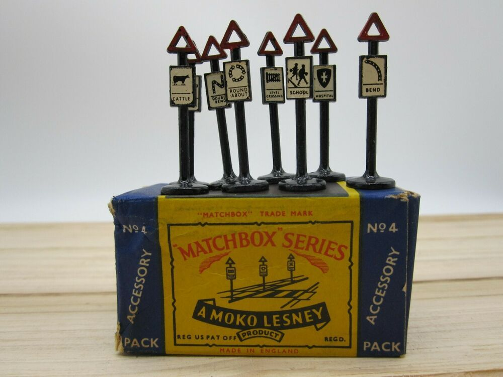 Matchbox Moko Lesney Accessory Pack Of 8 Road Signs A 4 Original Box Complete Matchbox Scammell Matchbox Road Signs Original Box