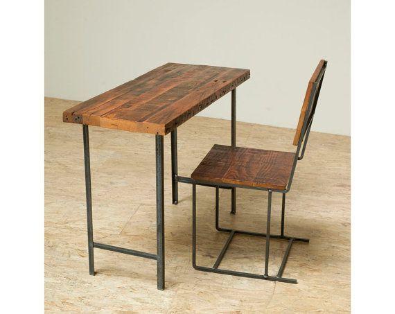 Bureau compact ou une console table bois récupéré et fer